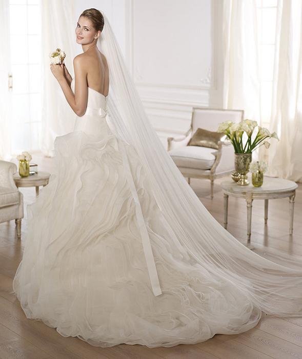 最适合双鱼座新娘的婚纱