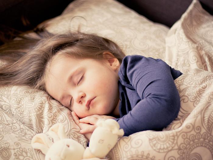 摄图网-睡觉的小孩子(1)